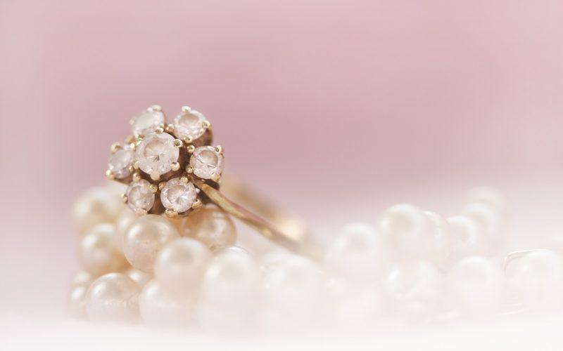 Biżuteria autorska – pomysł na oryginalny dodatek